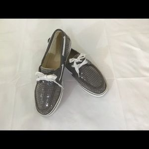 BOAT SHOES,GRAY SEQUENCE SZ 9.5